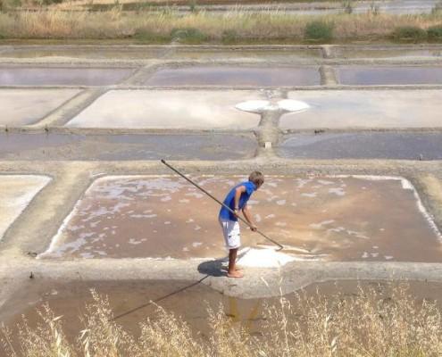 Récolte de sel dans les Marais des Salines, Les Sables d'Olonne, Vendée